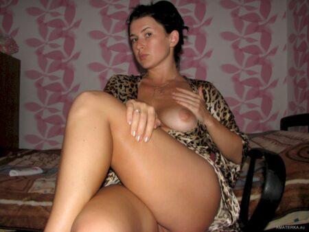 Femme cougar dominante pour coquin qui est docile