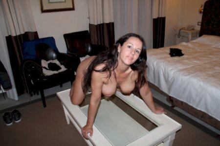 Femme mature célibataire qui a une grosse envie